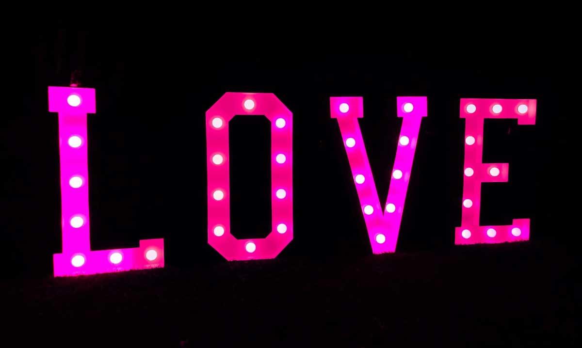XXL LOVE Buchstaben pink/rot